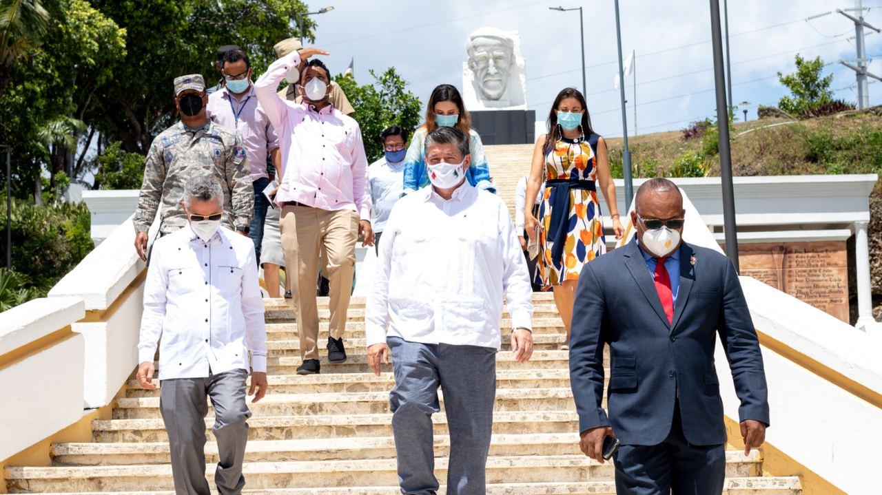 Alcalde Manuel Jiménez recibe visita del embajador de México