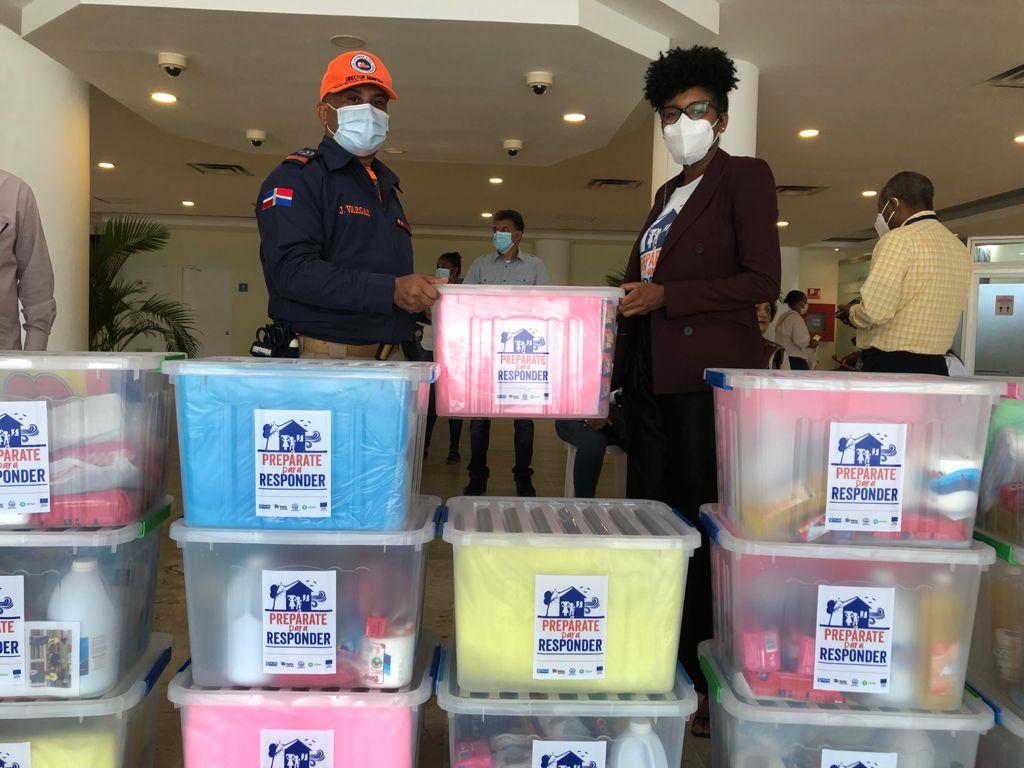 Alcaldía Santo Domingo Este recibe donativo kits anti Covid